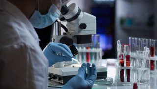 Manipulation d'échantillons biologiques